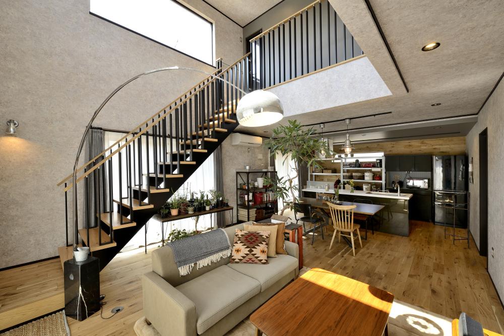 茨城県取手市T様 不二建設 リビング デザイン階段 キッチン BOOMS