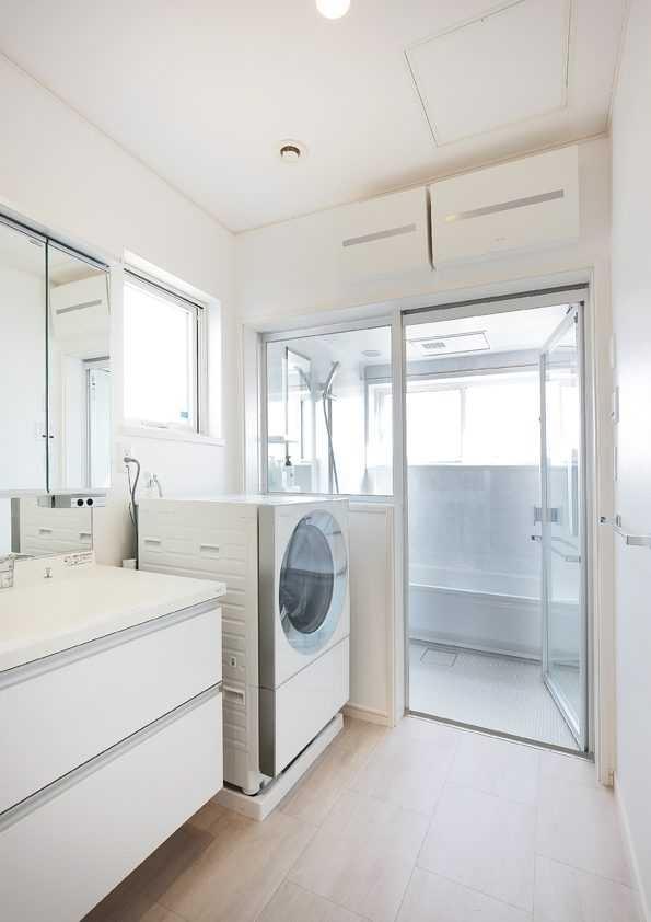 茨城県龍ケ崎市S様 不二建設 高性能住宅 注文住宅 洗面室 2階浴室 ガラス戸 風景