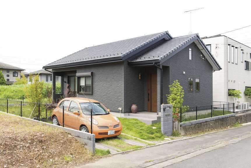 茨城県石岡市S様 不二建設 平屋 自然素材 ドライウォール ワンルーム外観 瓦 サイディング
