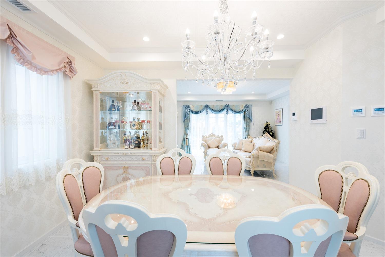 イタリア家具でコーディネートされた邸宅