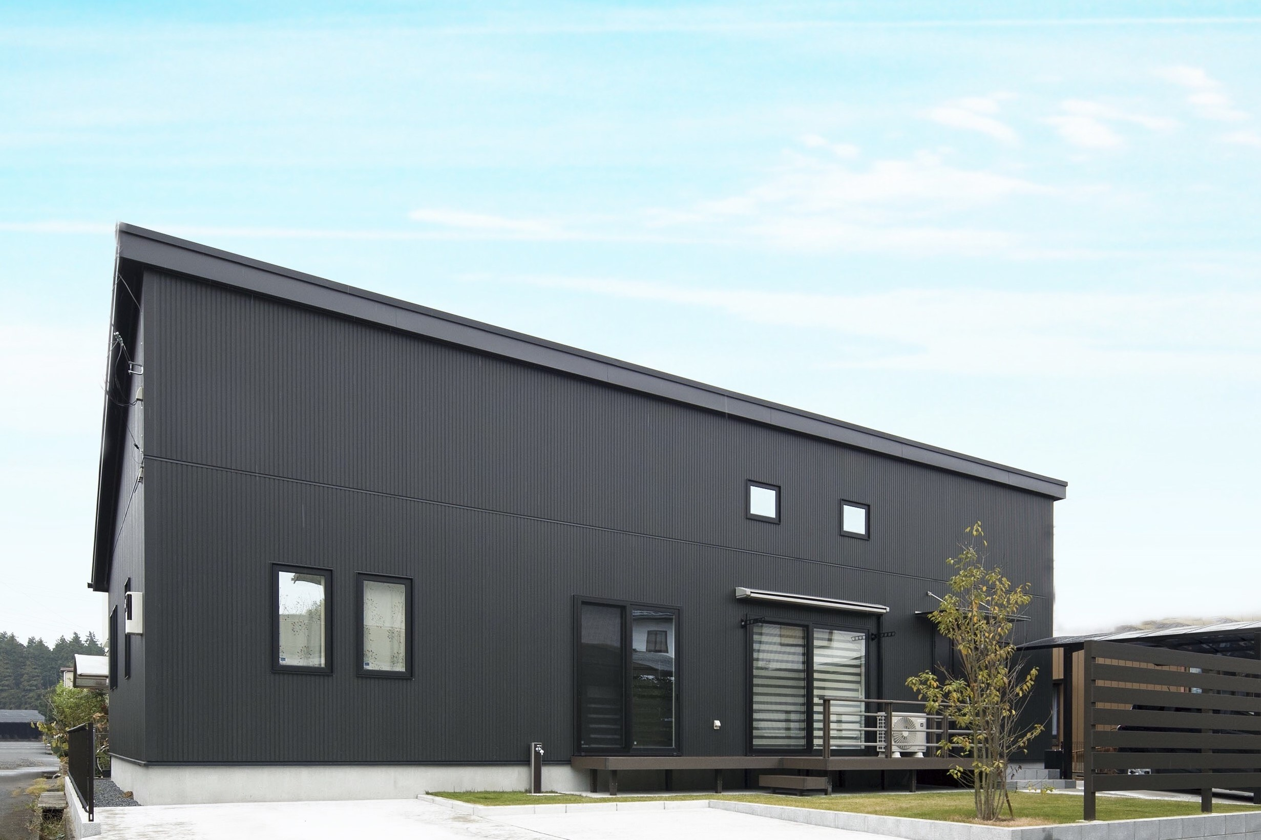 茨城で注文住宅で建てた平屋の建築実例(外観)シンプルでおしゃれなデザインをローコストに実現