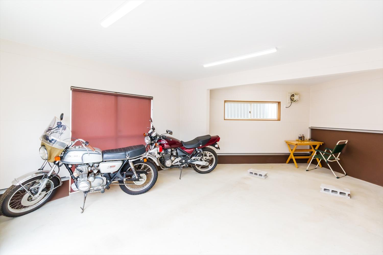 スキップフロアのあるガレージハウス