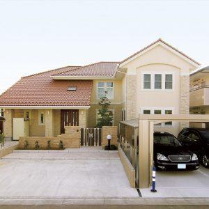 二世帯住宅の外観
