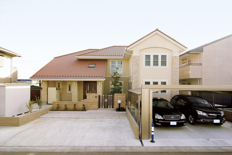 茨城の二世帯住宅を注文住宅で建てた建築実例(外観)