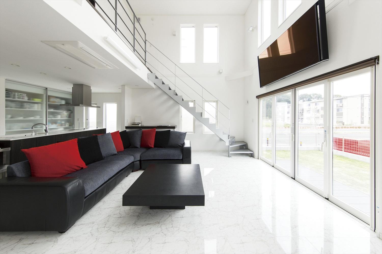 都会的な高級感を味わうならシックなトーンでコーディネート~統一感のある洗練されたデザイン設計の家
