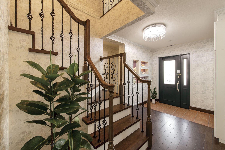 全館空調を導入したオープンスタイルの間取り~おしゃれなイタリアンテイストの玄関
