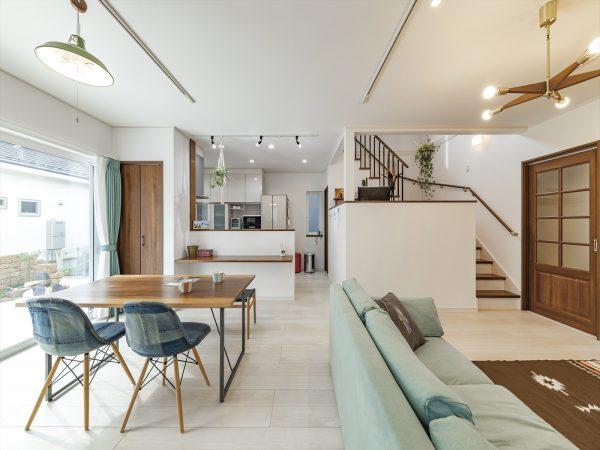 LDKの中にスキップフロアのある間取り~中二階でちょうどいい自分だけの時間と家族との空間を確保