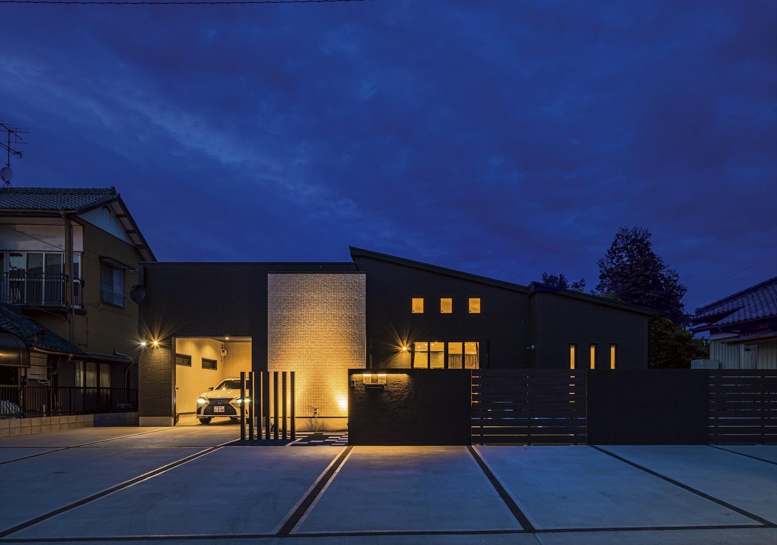 デザイン光る憧れのガレージのある平屋の住まい
